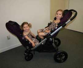 Как выбрать коляску для двойни и двоих детей разного возраста