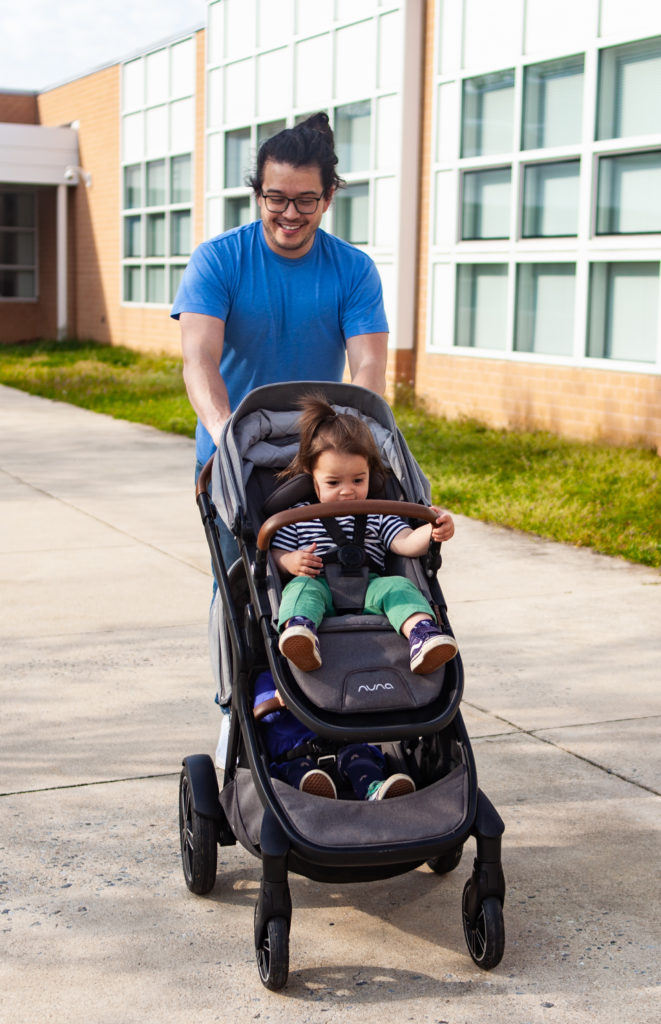 demi grow stroller review: easy to maneuver